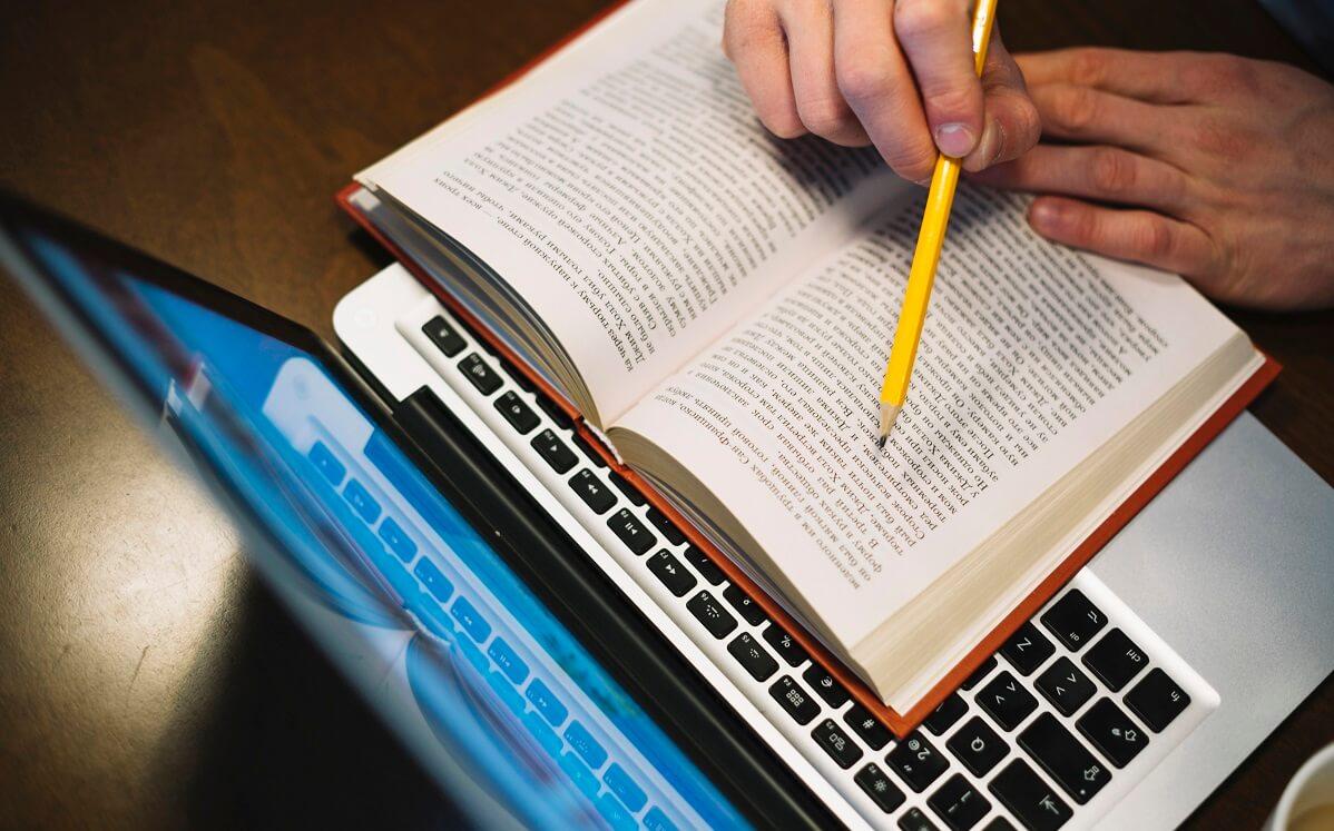 いつまでHTML勉強しているの?プログラミング初心者は必読