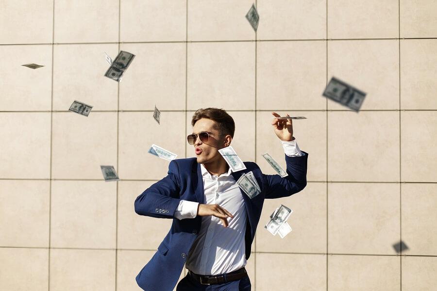 サラリーマンこそ副業ブログをせよ「お金を稼ぎたい人に限る」