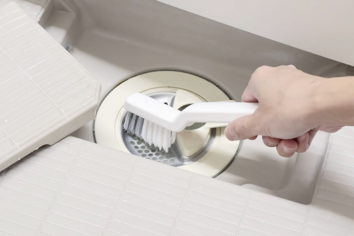 【解決策】お風呂場の排水溝が逆流してきた時の対処法【経験談】