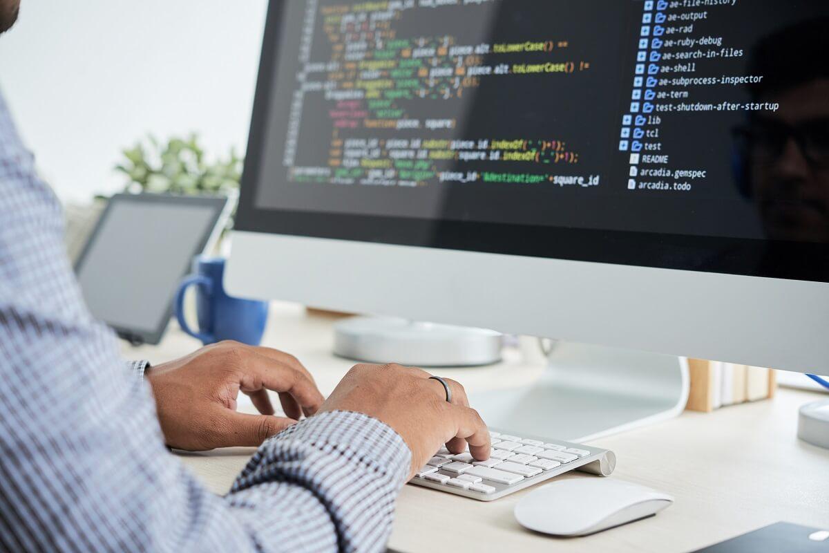 プログラミングに向いてない人の共通点7つ【現役エンジニアが回答】