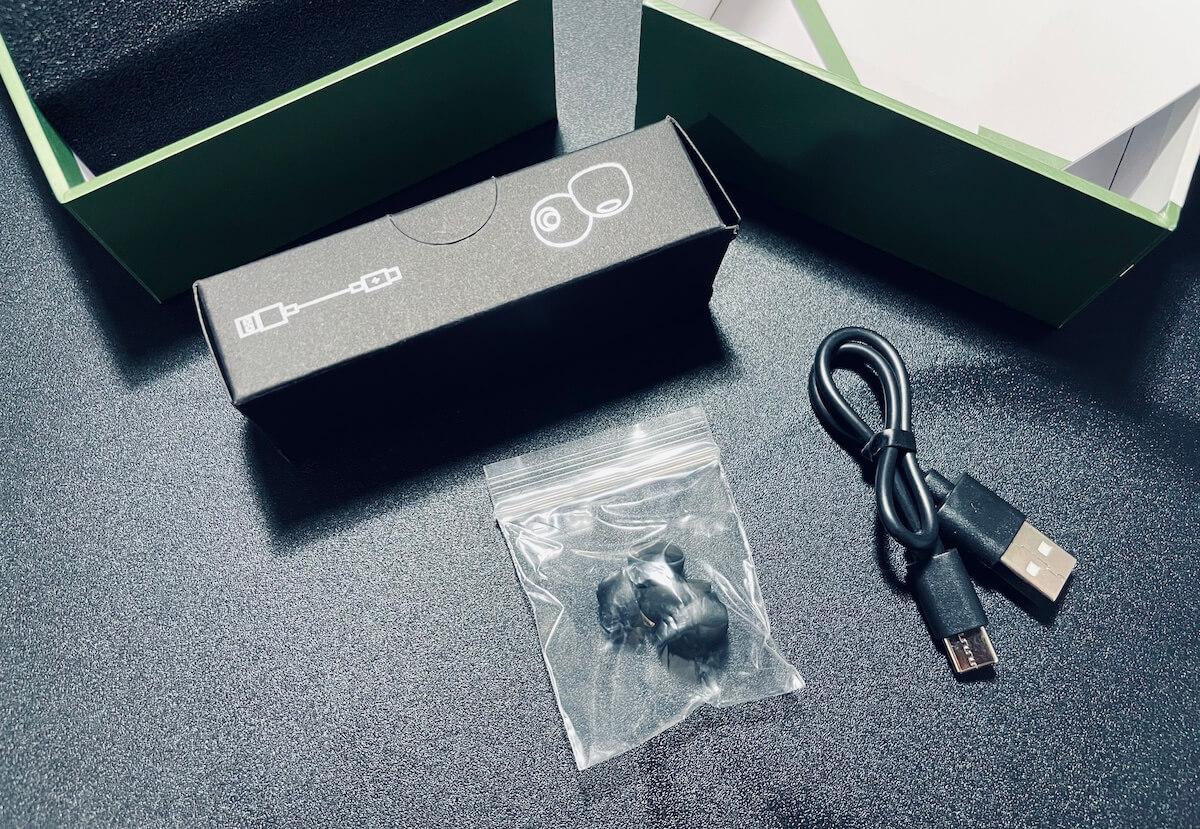 T2/ACEFASTを使った感想・レビュー「取扱説明書、充電ケース、イヤホン、充電用USBケーブル(USB to TypeC)、イヤーピース(イヤホンに装着しているもの含め3セット)」